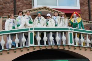 Rosenmontag 2016 - Damentanzgruppe mit Harlekin